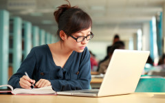 Are online classes beneficial or do they affect college students?